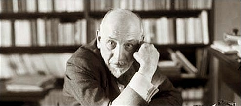 war luigi pirandello peoples reaction war War by luigi pirandelloin war by luigi pirandello, the author writes about peoples' reaction to war though the eyes of the main characters the setting of the story takes place in.
